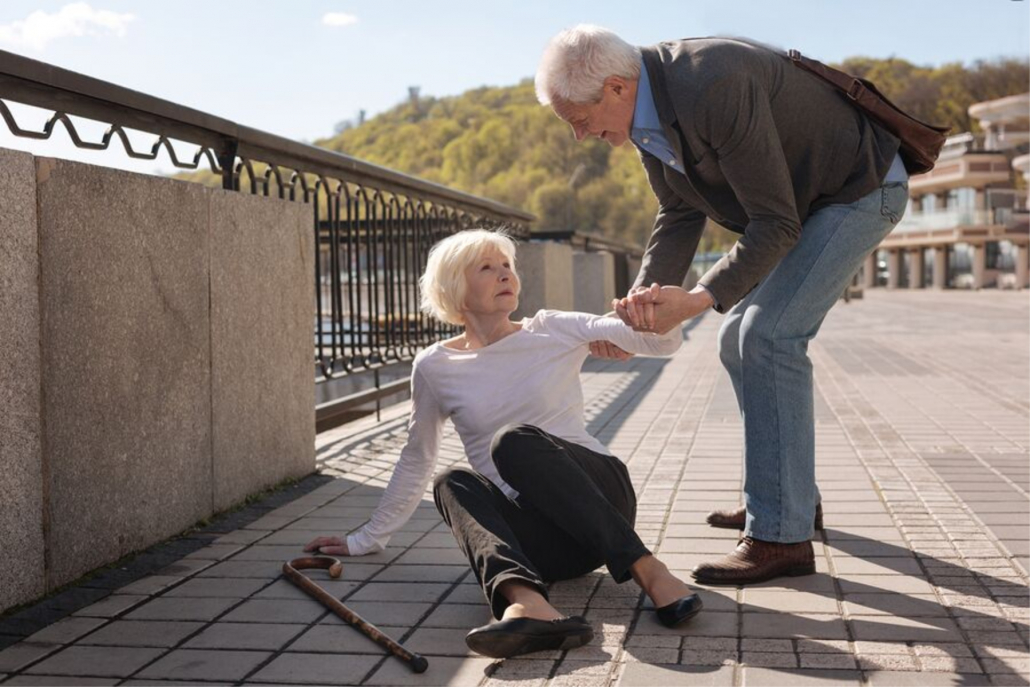 Medical Alarms in St. Louis MO: Senior Falls Prevention